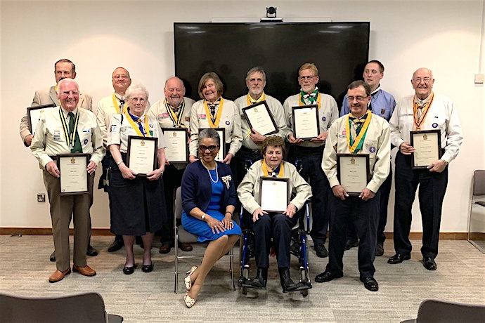 13 volunteers recognised in Avon Scouts Awards