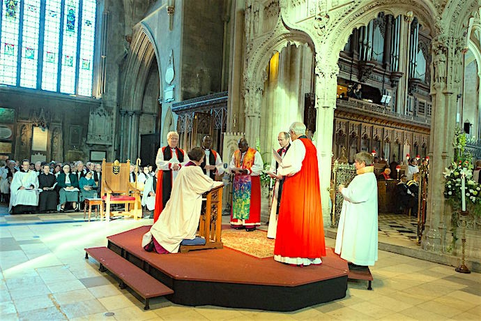 Enthronement of Bishop Viv Faull